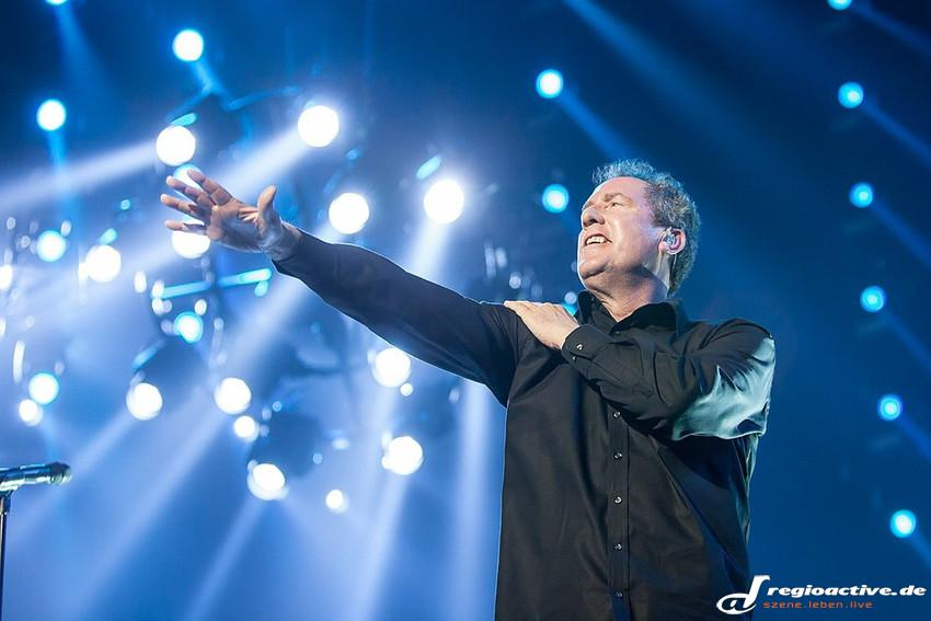 OMD (live in Mannheim 2015)